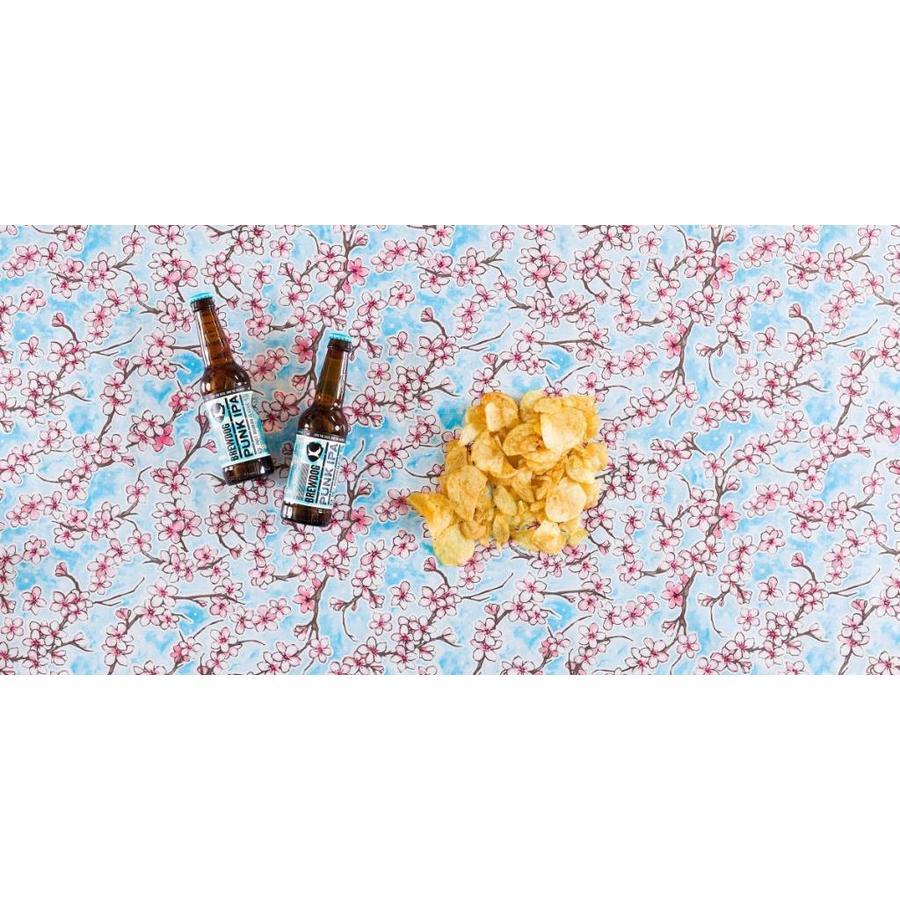 Mexicaans tafelzeil op Mexicaans tafelzeil op rol Kersenbloesem l-blauw 11m.