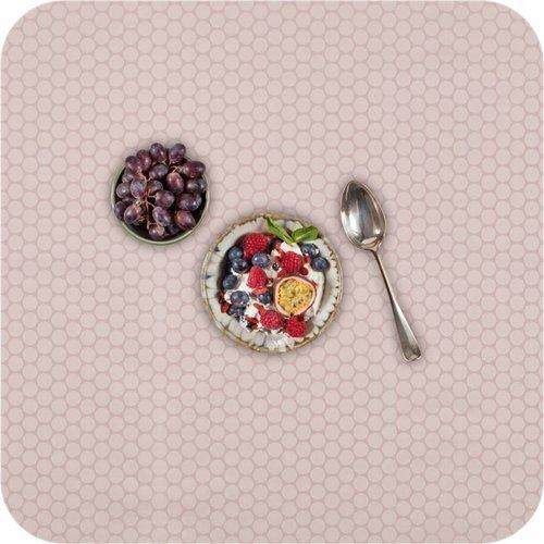 Gecoat tafelkleed 140 x 250 cm Stippen frappé / roze