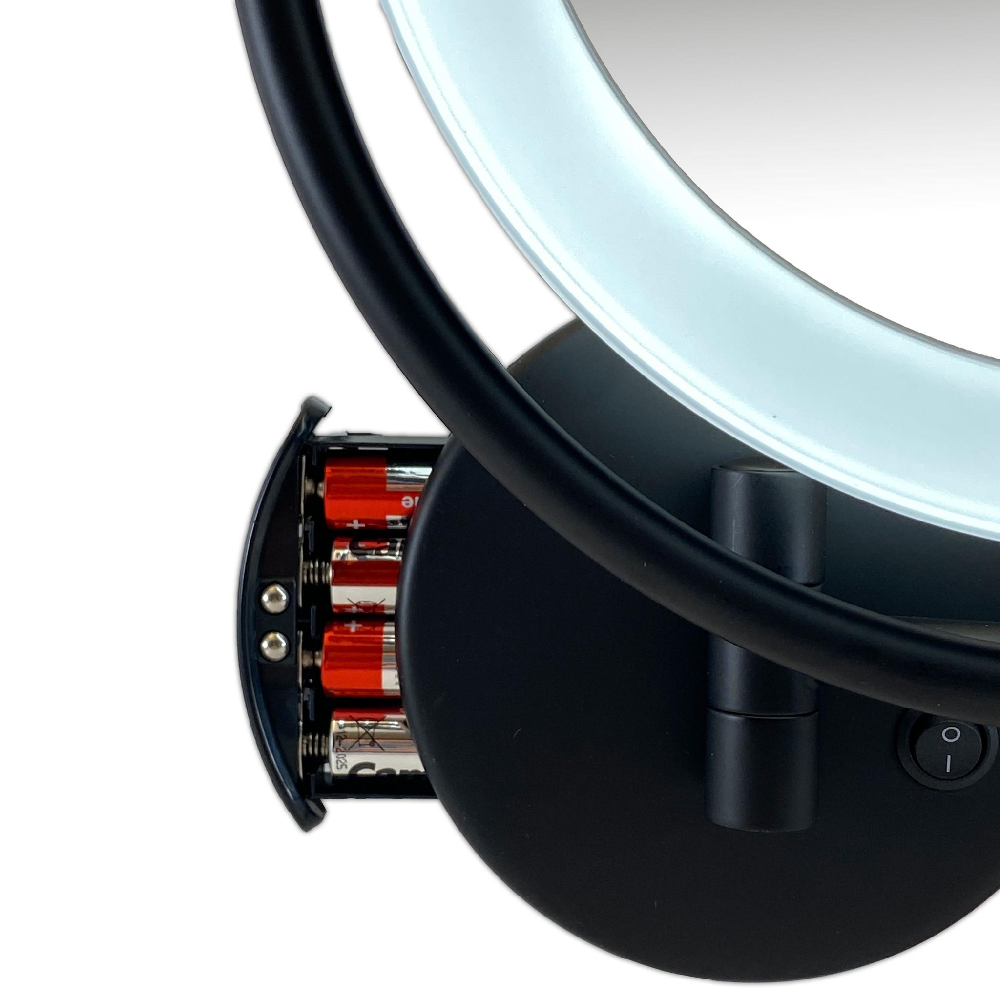 Gérard Brinard Metalen verlichte Make-up LED Spiegel Mat zwart 7x vergroting 19cm doorsnee, inculsief 4x AA batterijen en USB stroomkabel
