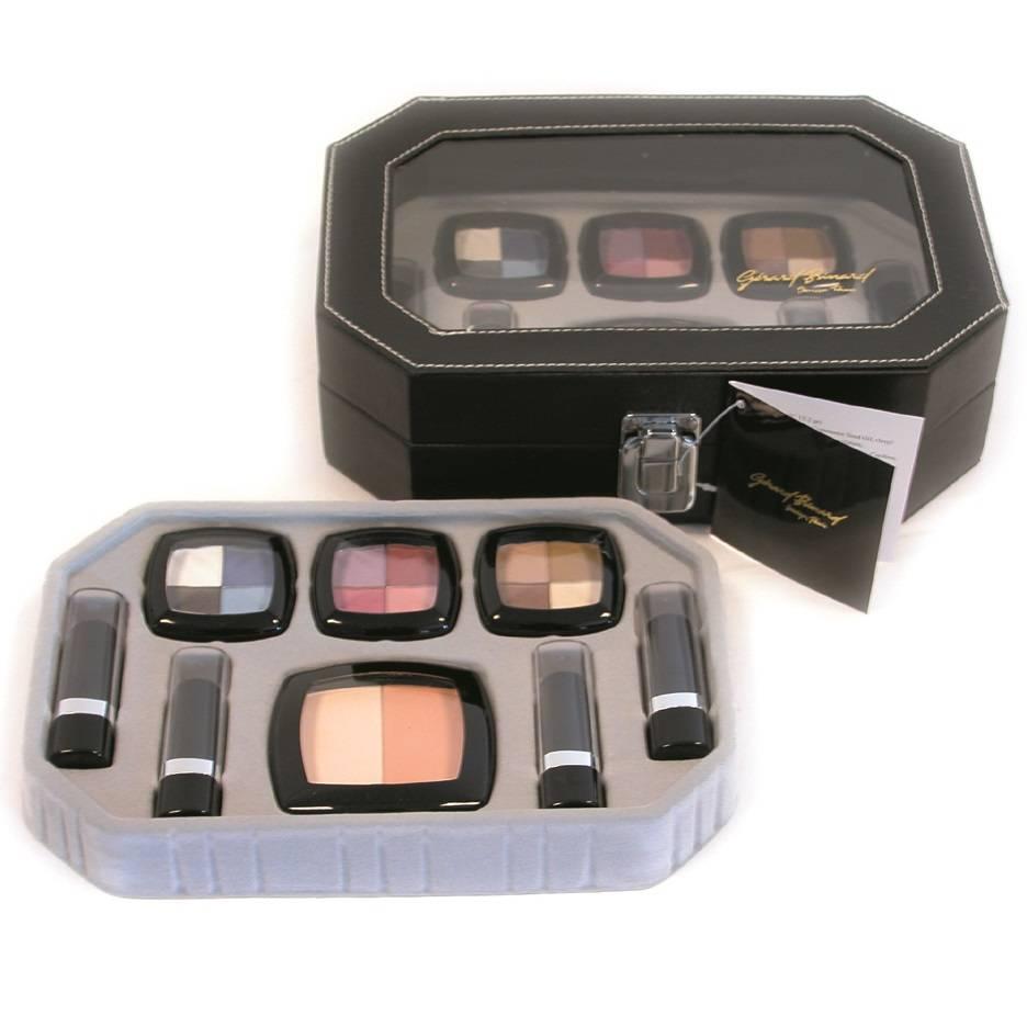 Gratis bij besteding vanaf €75 Make-up koffertje