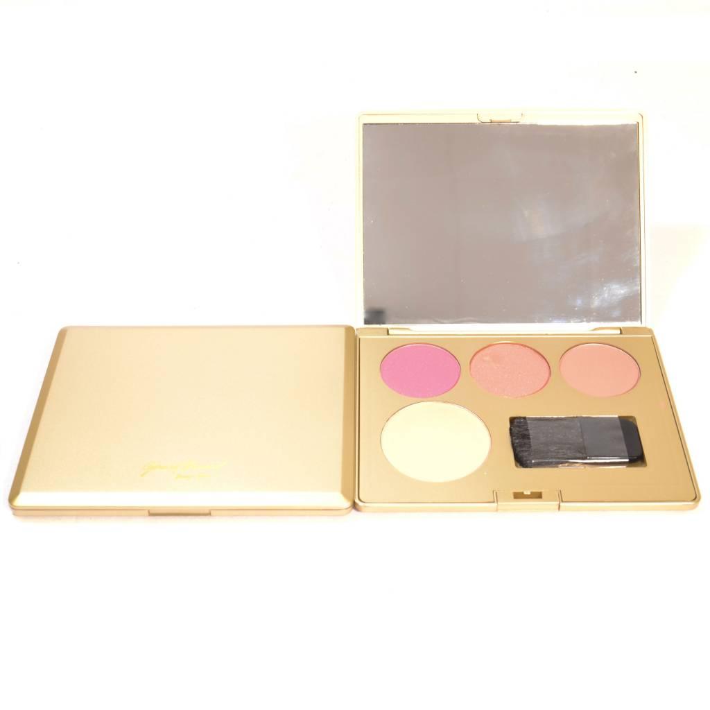 Gratis bij besteding vanaf €75 Blusher 4 kleuren in gouden doosje
