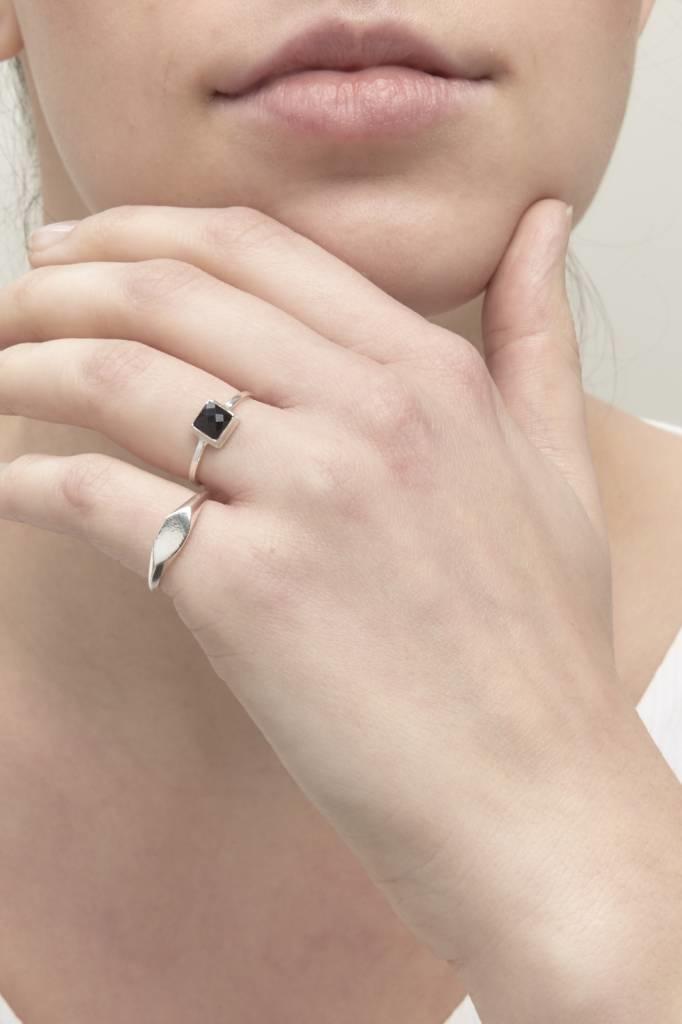 Riverstones Jewels Ring Fierce size 17 silver