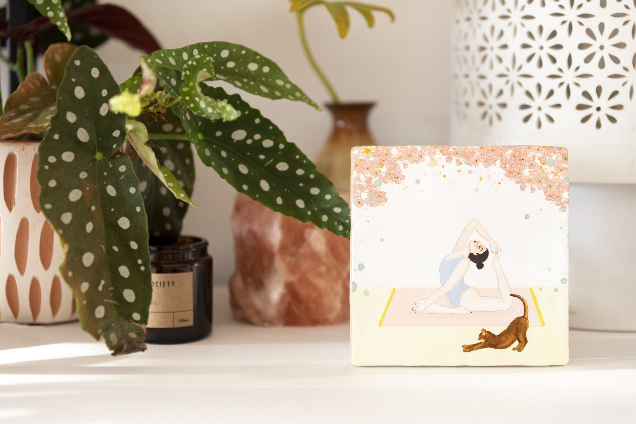 Storytiles Decorative Tile Strike a Pose small