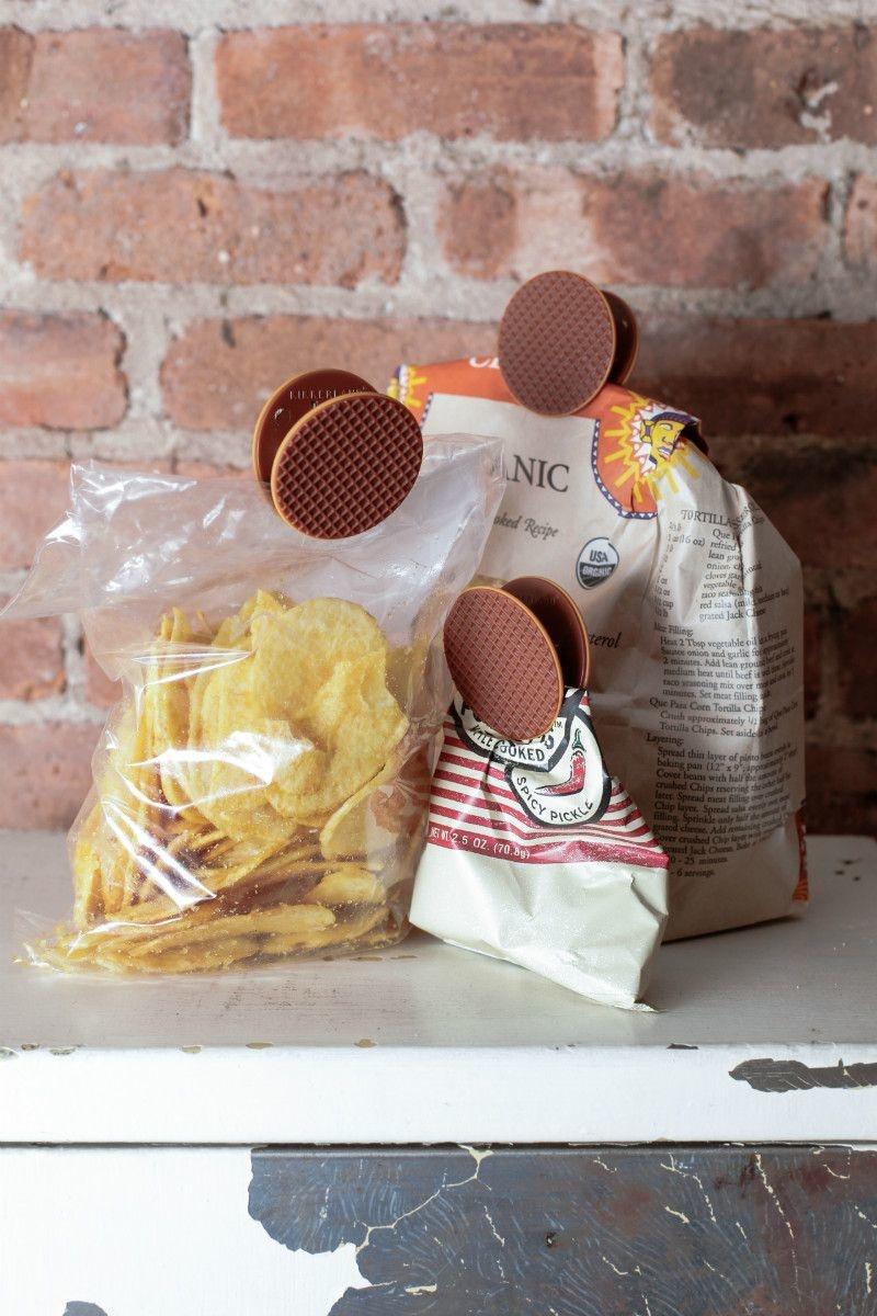 Kikkerland Stroopwafel Bag Clips