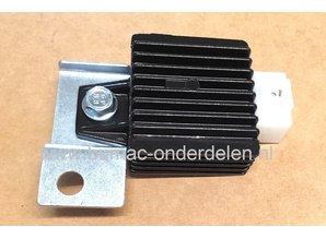 Spanningsregelaar voor MTD Motor op Zitmaaier - Tuintrekker Regulator onder andere voor MTD Motoren 4P90 AU, 4P90 JH, 4P90 JHA, 4P90 JHB, 4P90 JHC, 4P90 JHD,  4P90 JUC - 4P90AU, 4P90JH, 4P90JHA, 4P90JHB, 4P90JHC, 4P90JHD,  4P90JUC