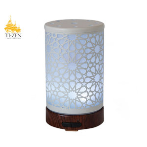 "Ti-Zen Aroma Diffuser 2021 ""White Flowers"" LED diffuser en sfeerverlichting met adapter."