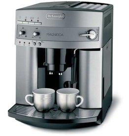 DeLonghi Kaffeemaschine, MAGNIFICA, 1.450 W, 1,8 l, 28,5x37,5x36cm, silber