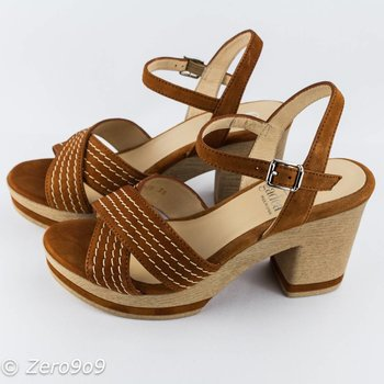 Gadea Camel brown sandals