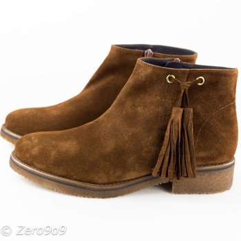 Gadea Brown tassel boots