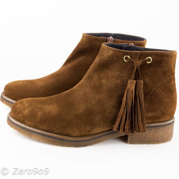 Gadea Brown tassel boots