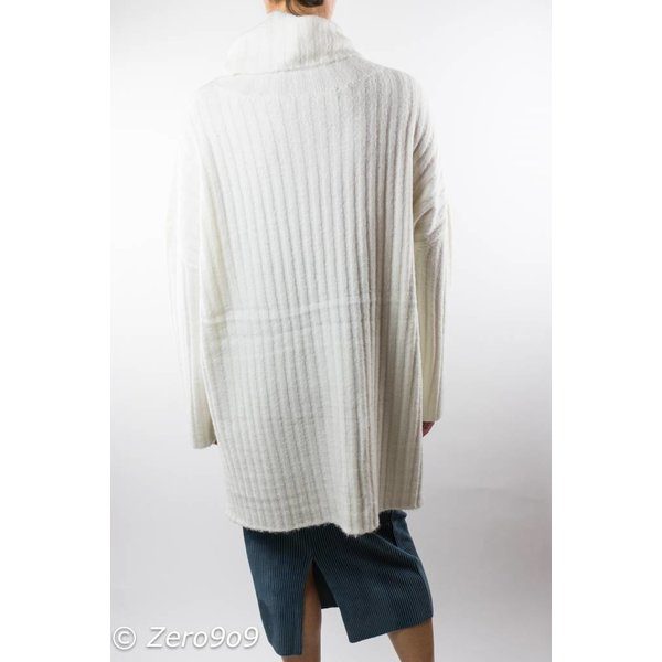 French Connection Oversized white knit (S)