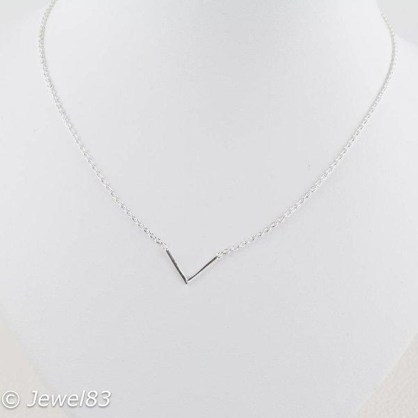 925e Silver minimalistic necklace