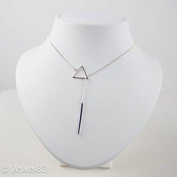925e Short silver triangle necklace