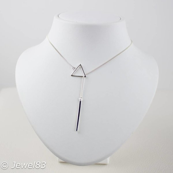 925e Short silver triangle necklace
