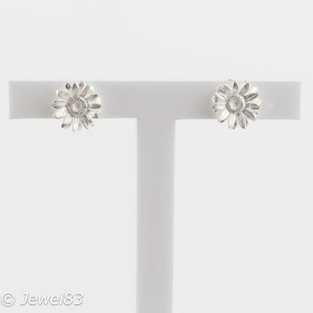 925e Daisy flower earrings