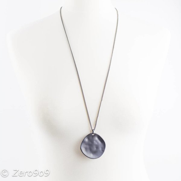 Sweet 7 Arty pendant necklace