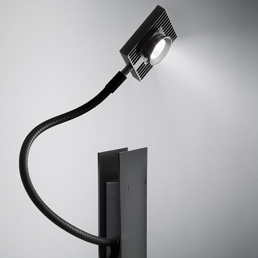 Ingo Maurer LED's Oskar Tischleuchte
