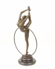 Producten getagd met bronze dancer statue