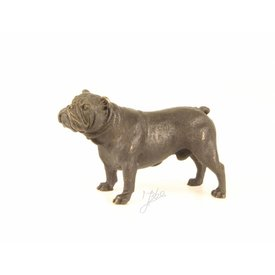 A BRONZE SCULPTURE OF AN ENGLISH BULLDOG