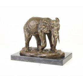 A BRONZE SCULPTURE OF AN ELEPHANT