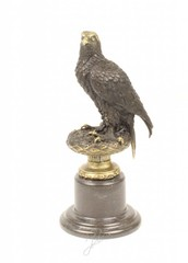 Producten getagd met bird of prey bronze sculpture