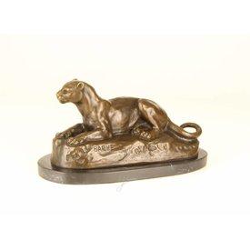 Bronzen sculptuur van een leeuwin