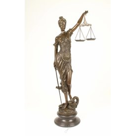 A BRONZE SCULPTURE OF THE LADY JUSTICE