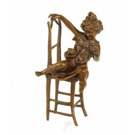 Bronzen beeld van jong meisje met kat