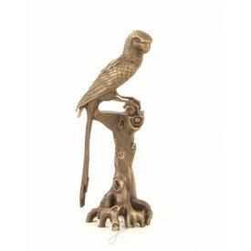 Bronzen beeld van ara