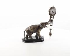 Producten getagd met bronze elephant clock