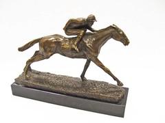 Producten getagd met art deco racehorse & jockey sculpture