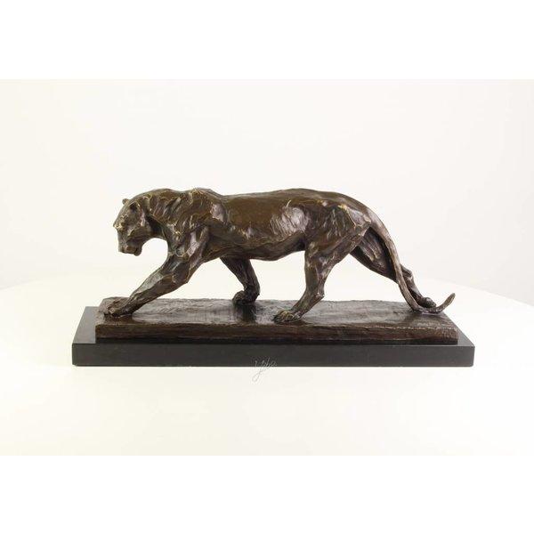 Bronzen beeld van een jagende panter