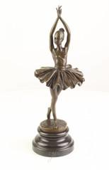 Producten getagd met bronze ballet dancer sculpture