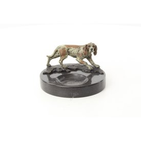 Ashtray with hunting hound