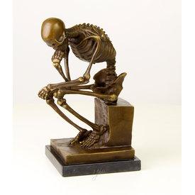 Een nadenkend skelet