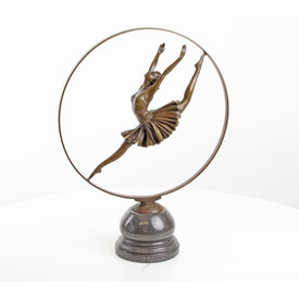 Ballerina dancing in ring