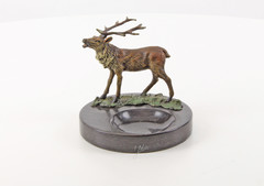 Producten getagd met asbak met bronzen edelhert