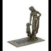 Een bronzen sculptuur in Weense stijl van Cleopatra met een panter