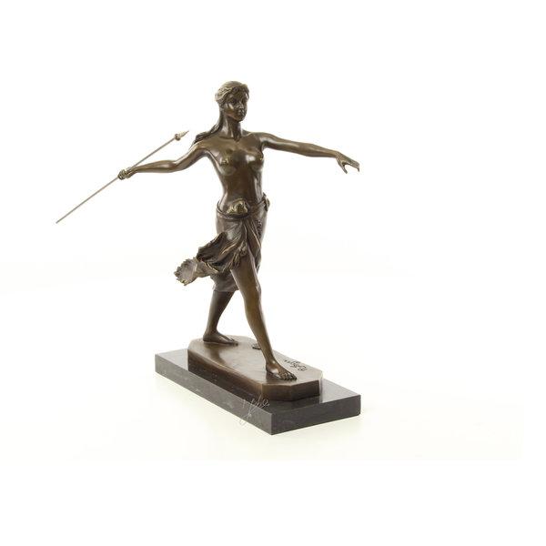 Bronzen sculptuur van een Amazone krijger met speer