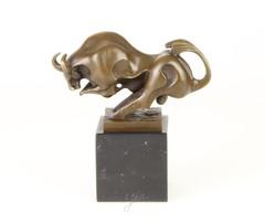 Producten getagd met aanvallende stier sculptuur