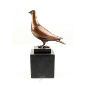Standing pigeon