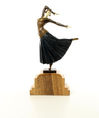 Producten getagd met art deco female dancer sculpture
