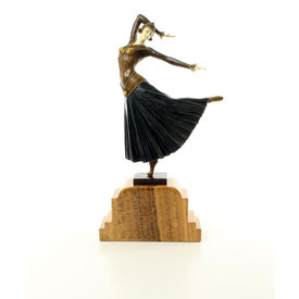 Graceful dancing female called 'Ayouta'