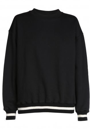 Sweater black INFLUENCER on the back