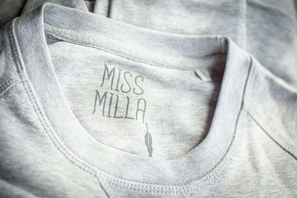 Miss Milla WARRIOR sweater unisex zwart gebrodeerde Warrior Ltd edition