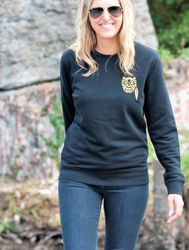 Miss Milla WARRIOR sweater unisex zwart gebrodeerde Warrior gold (Ltd edition)
