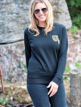 Miss Milla WARRIOR sweater unisex zwart geborduurde Warrior goud (Ltd edition)