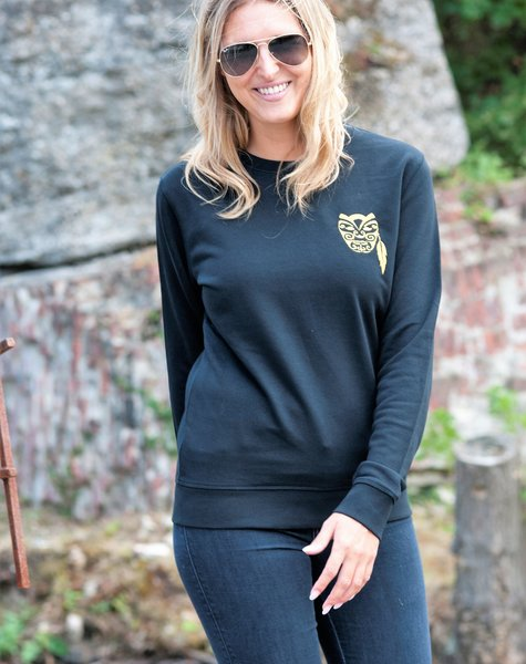 Miss Milla WARRIOR sweater unisex zwart geborduurde Warrior Ltd edition