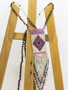 Le collier The pendant necklace