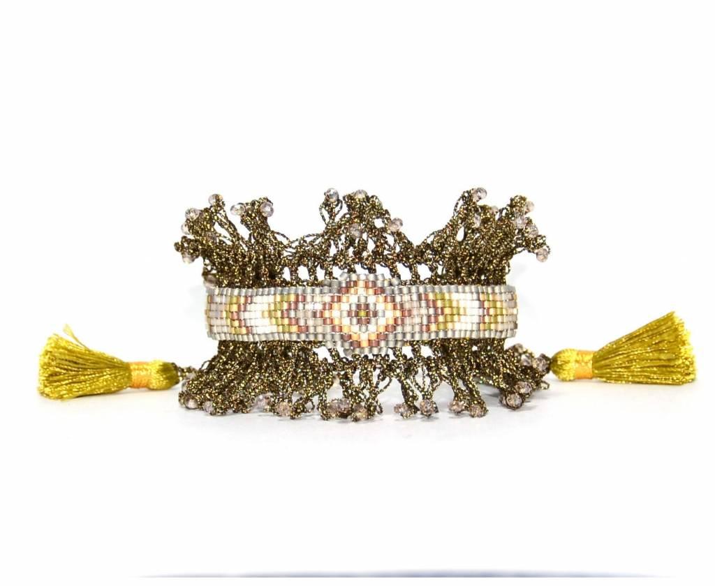 Armband Nilu kaki gehaakt en met gele kwast